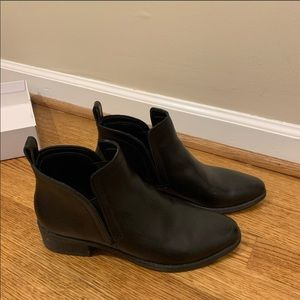 Dolce Vita Black Ankle Boots 7.5